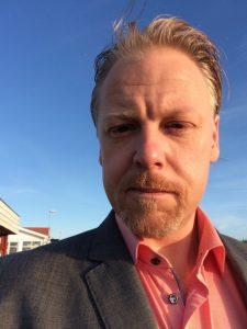 Knivmakaren Michael Henningsson